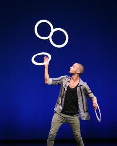 Patrik Elmnert performing in the Welcome Show