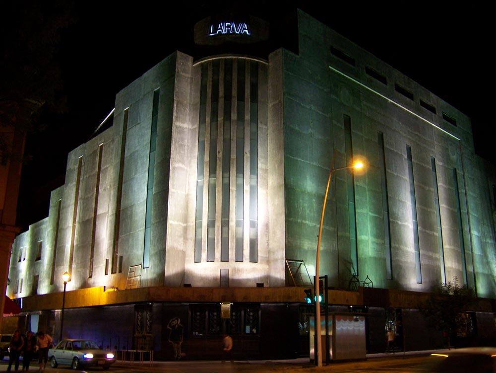 Larva01_0